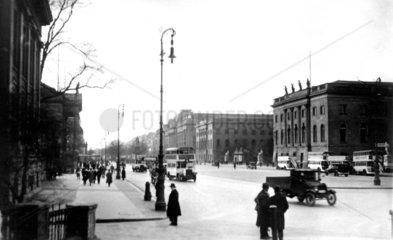 Berlin  Unter den Linden ca. 1920