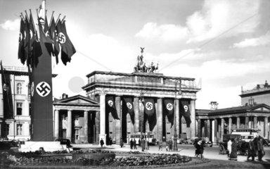 Berlin  Brandenburger Tor ca. 1936
