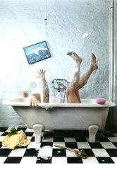 Badewanne Mann Ausgerutscht