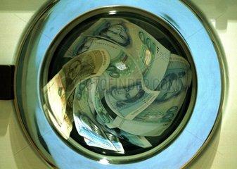 Geldwaesche Waschmaschiene