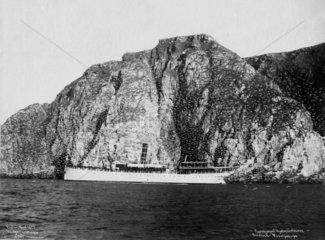 Schiff in einem Fjord  Norwegen 1905