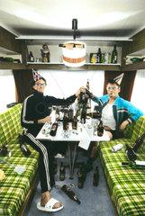 Wohnwagen Feiern Bier