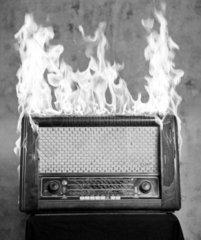 brennendes Radio