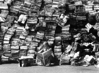 Mengen von Zeitungen