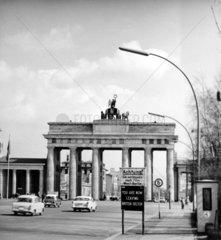 D-Berlin Brandenburger Tor 1955