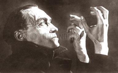 Conrad Veidt  Schauspieler 1930-35 im Film Oriacs Haende