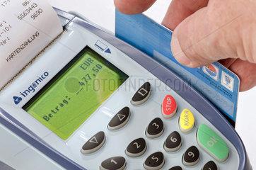 Kartenzahlung am EC-Terminal