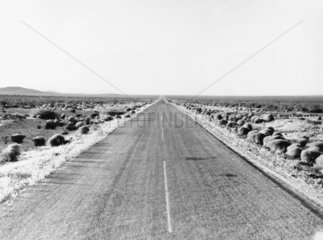 Route used as a crossing by refugees  New Mexico  USA  June 1938.