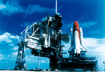 'Discovery' Space Shuttle at Kennedy Space Center  Florida  USA  May 1995.