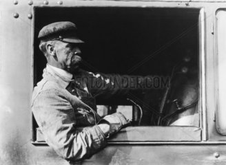 'Forty years in the cab...'  USA  1920.