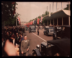 Crowds on The Mall  London  1945.