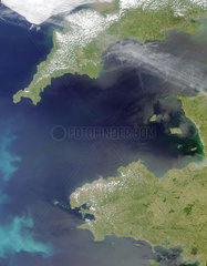 Coccoliths off the north-west coast of France  June 4  2001.