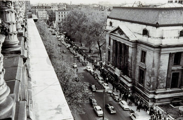 Crowds queueing to see John Glenn's space capsule  London  May 1962.