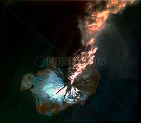 Landsat image of volcanic eruption  Alaska  1986.