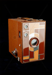 Beau Brownie camera with doublet lens  1930-1933.