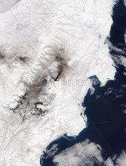 Klyuchevskaya volcano erupting  Kamchatka 24 March  2005.