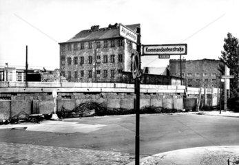 Berlin ca.1962 Mauer an Kommandantenstrasse
