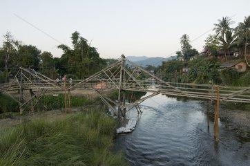 Bruecke ueber den Nam Xong / Vang Vieng / Laos / SUEDOSTASIEN-REISE 20.12.2