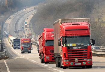LKW-Verkehr auf der BAB 3