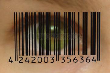 Barcode vor gruenem Auge - Ueberwachung
