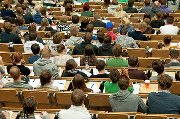 Universitaet Hamburg - Einfuehrung Rechnungswesen