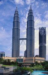 Petronas Twin Towers  mit 452 m die welthoechsten Gebaeude