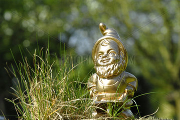 Goldener Gartenzwerg