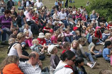 Spielfest  Kinderfest auf der Krusenkoppel bei der Kieler Woche 2011 in Kiel  Kieler Foerde  Ostsee  Schleswig-Holstein