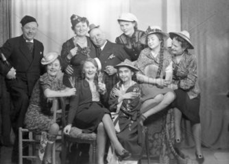 Gruppenfoto mit ausgelassener Stimmung