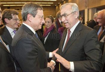 Treffen Mario Draghi  Theo Waigel  Muenchen  2013