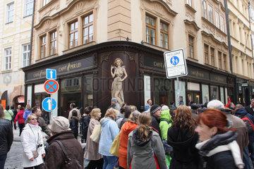 Touristengruppe in Prag