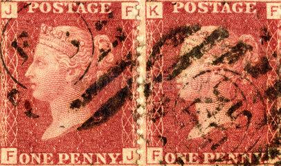 zwei britische Briefmarken  Queen Victoria  1875