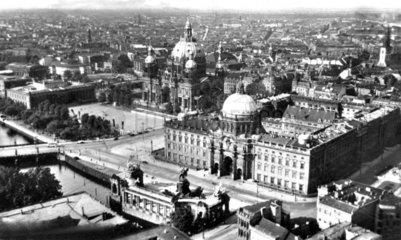 D-Berlin  1930  Schloss  Luftaufnahme