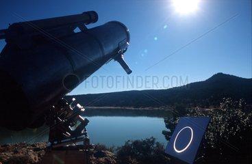 Eclipse annulaire de Soleil observée par projection Espagne