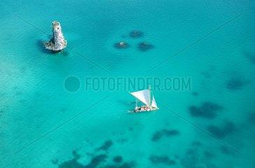 Ile des Pins  baie d'Upi  barque traditionnelle