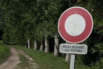 Sign for a road restricted to pedestrians France