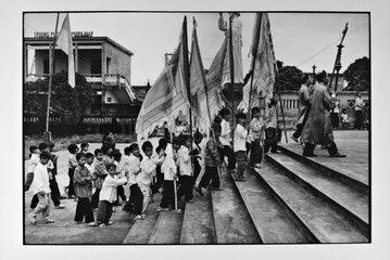 Procession Catholic Nihn Binh Vietnam
