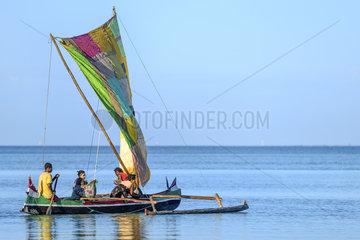 Vezo fischermen  Ifaty Bay  Ranobe lagoon  North of Toliara  Southwestern Madagascar