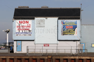 Posters against the wind - Treport Fishing port France