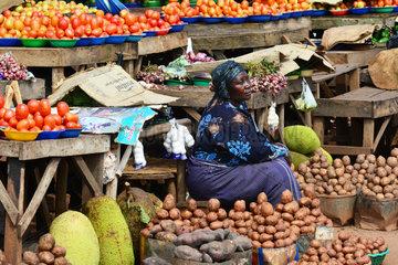 Fruit and vegetable market - Kampala Uganda