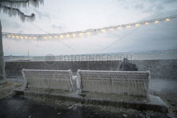 Sprays glaicing instantly on the shores of Lake Geneva  during the cold wind episode of Tuesday January 17  2017  Versoix  Switzerland