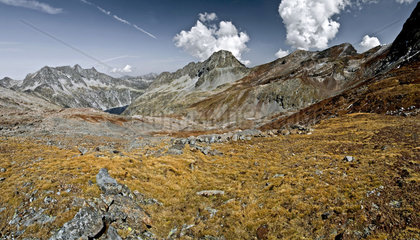 View on Vallee de Long - Neouvielle reserve - Pyrenees