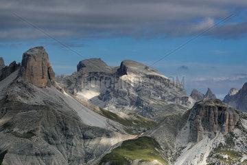 Tre Cime di Lavaredo  Naturpark Drei Zinnen  Dolomites  Italy
