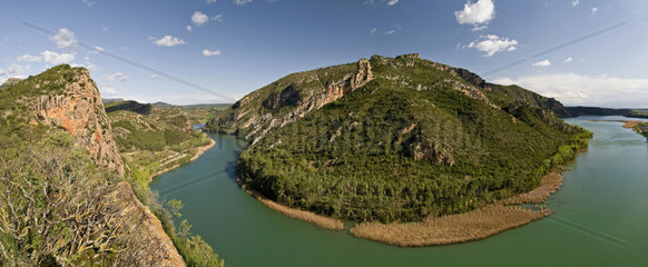 Cliff and meabder on the Segre river - Catalonia - Spain
