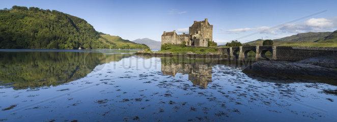 Eilean Donan Castle on Loch Shiel - Highland Scotland