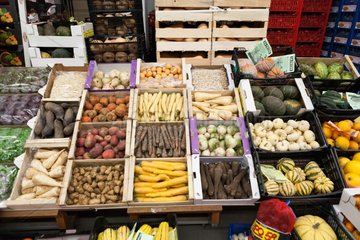 Vegetable crates to the wholesale market Corbas France