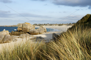 Rocks and beach  Meneham  Côte des Legendes  Brittany  France