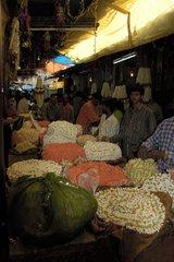 Marché aux fleurs traditionnel de Mysore Inde