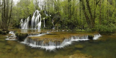 Cascade Tufs - Les Planches près Arbois  Jura  France