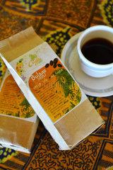 Ugandan coffee cup and pack - Uganda